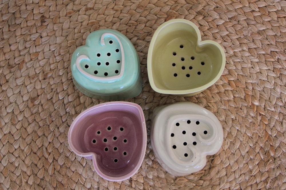 4 moules à crémet d'Anjou pastels